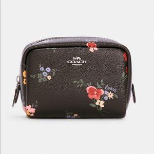 COACH Mini Boxy Cosmetic Case💄 - Wildflower Print